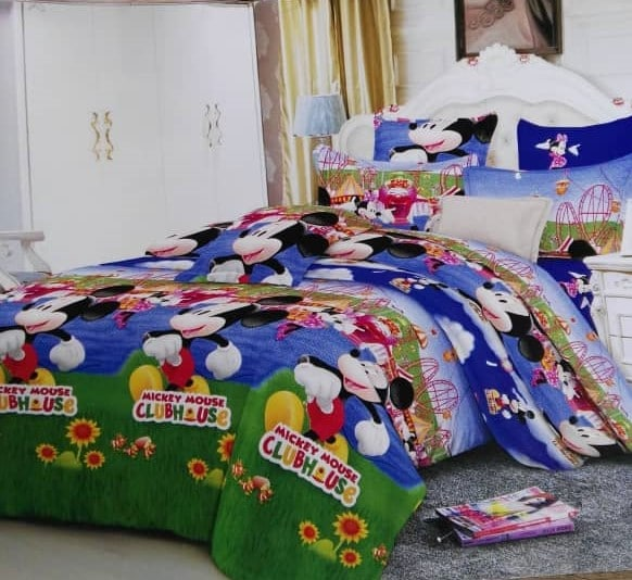 Children's Mickey Mouse Clubhouse Character Bed Sheet - 4 Pillow Cases