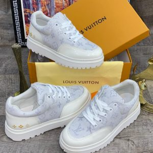 LOUIS VUITTON MEN'S WHITE SNEAKERS
