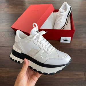 MEN'S WHITE LACED SNEAKERS