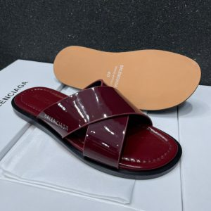 RED CROSS PALM SLIPPERS